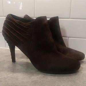 Enzo Angiolini brown zipped heeled booties